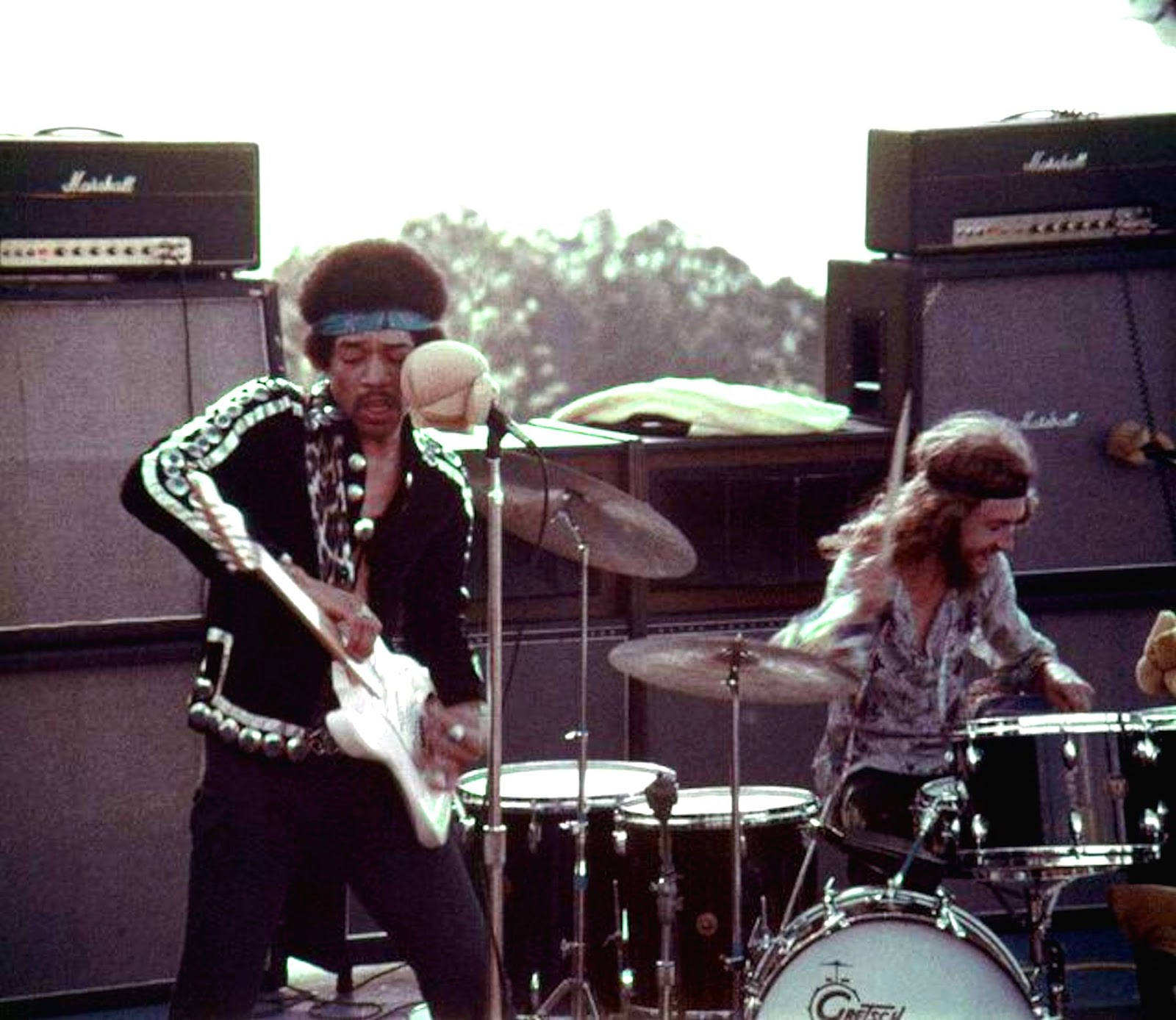 "Jimi Hendrix Maui ""Rainbow Bridge"" Concert (16mm footage of performance; 1970) - Jimi Hendrix Maui ""Rainbow Bridge"" Concert (partially found 16mm footage of performance; 1970)"